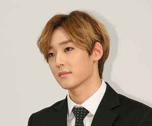 ukiss, u-kiss, and kevin woo image