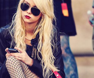 Taylor Momsen, blonde, and gossip girl image