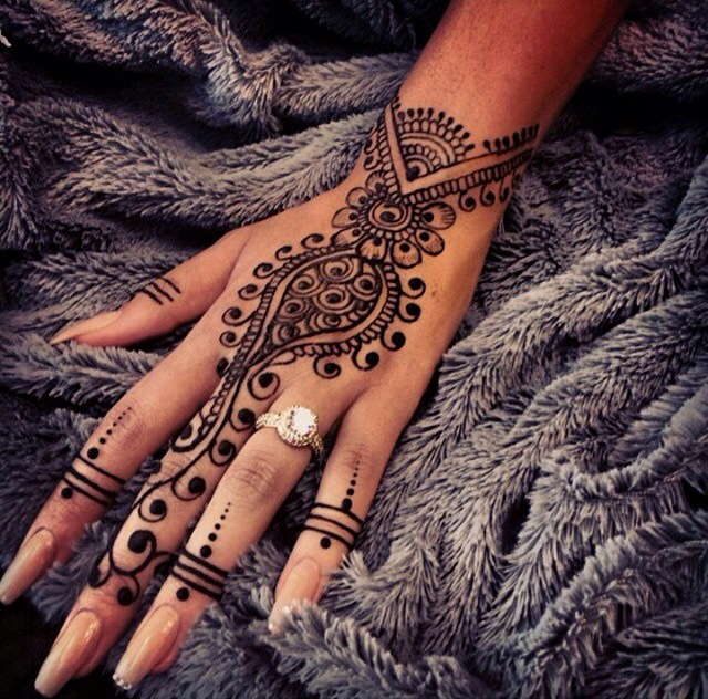 Stunning Henna Shared By Sara S Closet On We Heart It