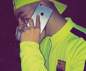 iphone and Barca image