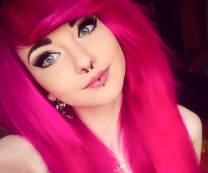 pink hair, alt girl, and dyed hair image