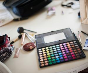 palette and make-up stuff image