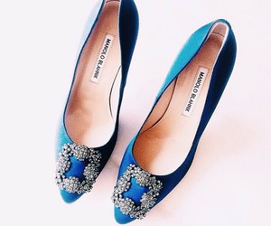manolo blahnik, manolos, and isitvogue image