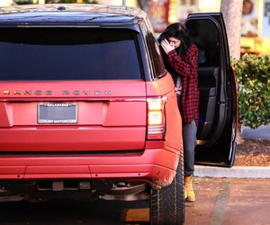 car, range rover, and kylie jenner image