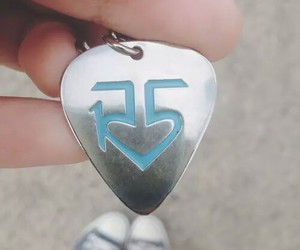 ratliff, r5, and necklace image