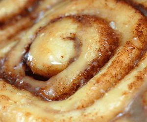 food, cinnamon buns, and sweet image