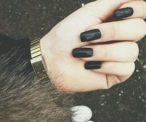 black nails image