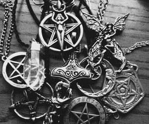 necklace, crystal, and pentagram image