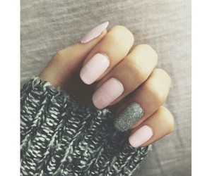nails, pink, and cutr image