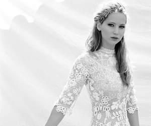 Jennifer Lawrence, hunger games, and dress image