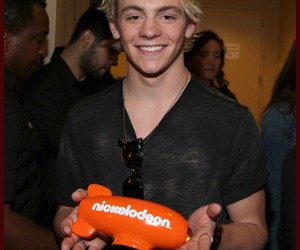 ross lynch, winner, and r5 image