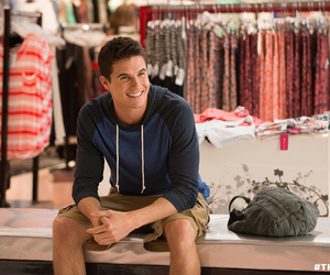robbie amell and the duff image