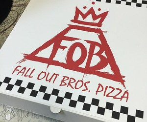 fall out boy, pizza, and fall out bros image