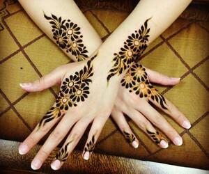 mehndi, arabic henna, and mehndi designs image