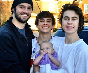 hayes grier, nash grier, and will grier image