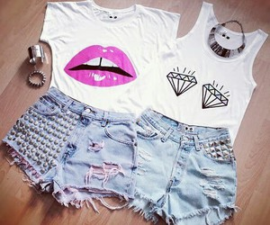 shorts and white tops image