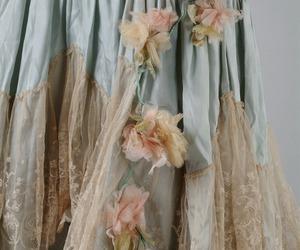 dresses, fashion, and feminine image