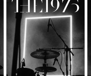 bands and the 1975 image