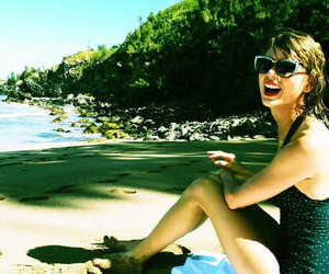 Taylor Swift, beach, and taylor image