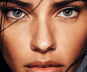 model, Adriana Lima, and eyes image