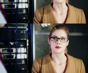 arrow, blonde, and DC image