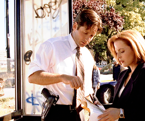mulder, mulder and scully, and scully image