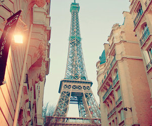 paris and love+city image