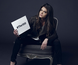 marie avgeropoulos, octavia blake, and the hundred image