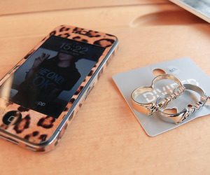 iphone, leopard, and ring image