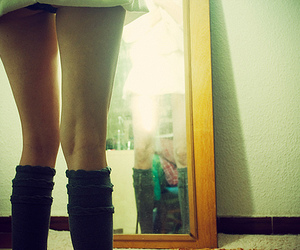 legs and mirror image