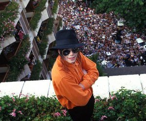 michael jackson and fans image