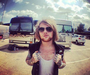 danny worsnop, asking alexandria, and music image