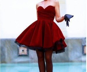 red, drees, and tacones image