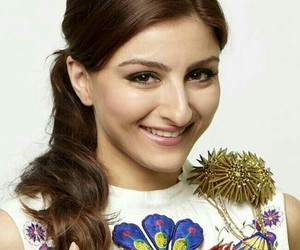 bollywood and soha ali khan image