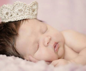 baby and crown image