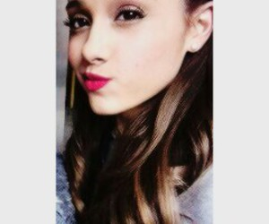 ariana grande and icon image