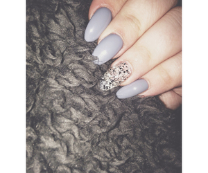 nails and grey sparkle image
