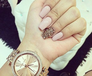 nails, pink, and perfect image