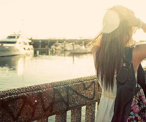 girl, sun, and bag image