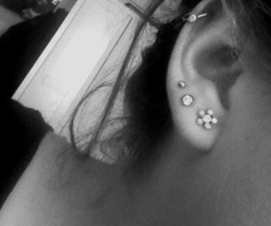 4, ear, and earrings image