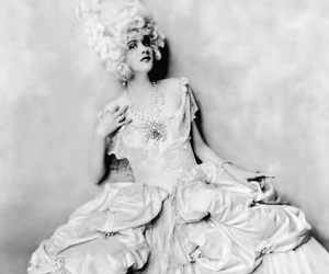 black and white, marie antoinette, and vintage image