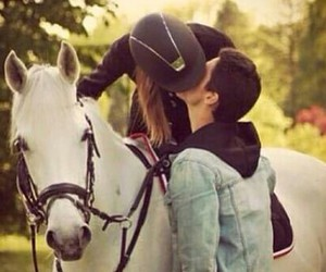 amor, beso, and horses image