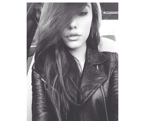 madison beer and selfie image