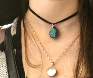 girl, indie, and necklace image