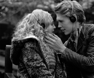 love, the carrie diaries, and austin butler image