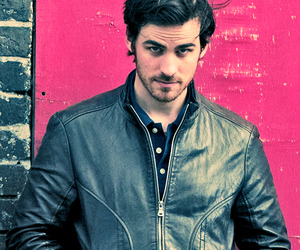 colin o'donoghue, once upon a time, and ouat image