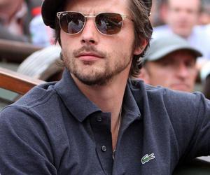acteur, raphael personnaz, and beauté masculine image