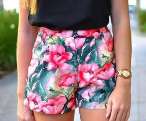 blusa, pantalones, and flores image