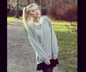 clothes, fashion, and necklace image