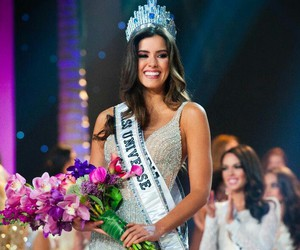 colombia, paulina vega, and miss universe image